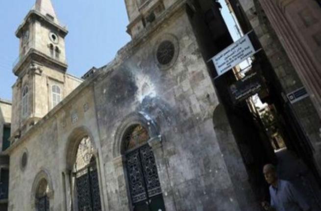 قذائف صاروخية تطال اقدم الكنائس في حلب
