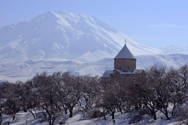 بريشة الثلج.. لوحة فريدة لجزيرة أختامار الأرمنية المحتلة – مجموعة من الصور