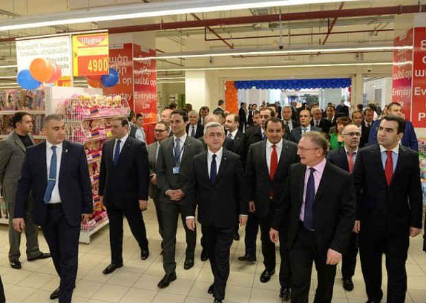 بحضور الرئيس ساركيسيان.. كارفور تفتتح فرعها في يريفان