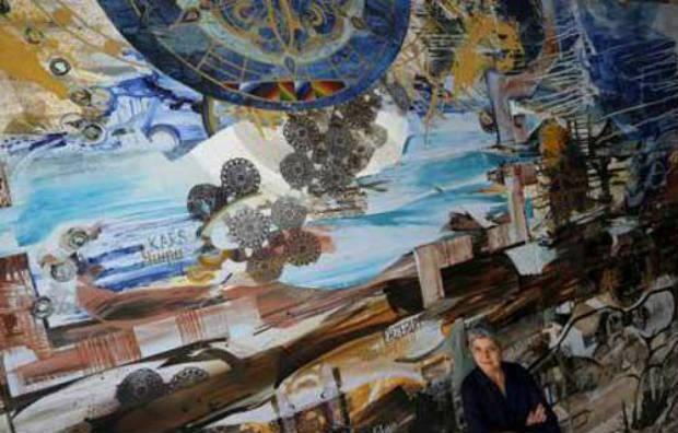 رسامة أمريكية تحيي الذكرى المئوية للإبادة الأرمنية بلوحة ضخمة