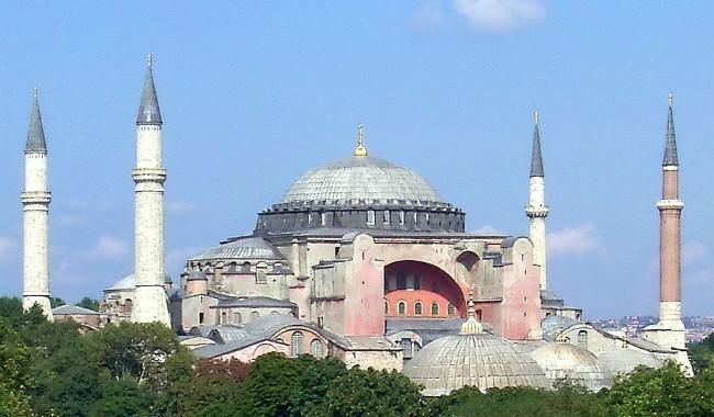 اليونان تحذر تركيا بعد تهديد الأخيرة بتحويل آيا صوفيا إلى مسجد