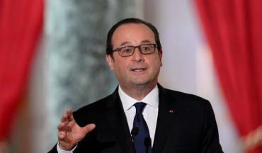"""هولاند: سأبحث مع بوتين الوضع حول حاملتي """"ميسترال"""" في أرمينيا"""