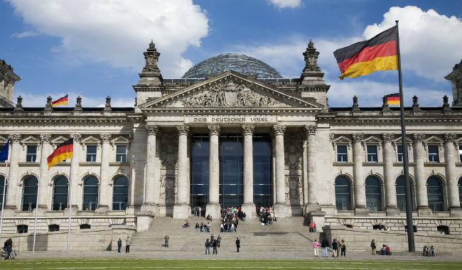 سياسي ألماني بارز يدعو حكومة بلاده للإعتراف بالإبادة الجماعية الأرمنية