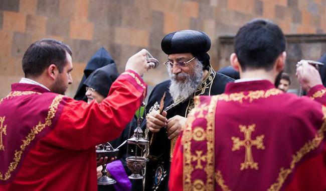 وصول الوفد المصري برئاسة البابا تواضروس إلى أرمينيا