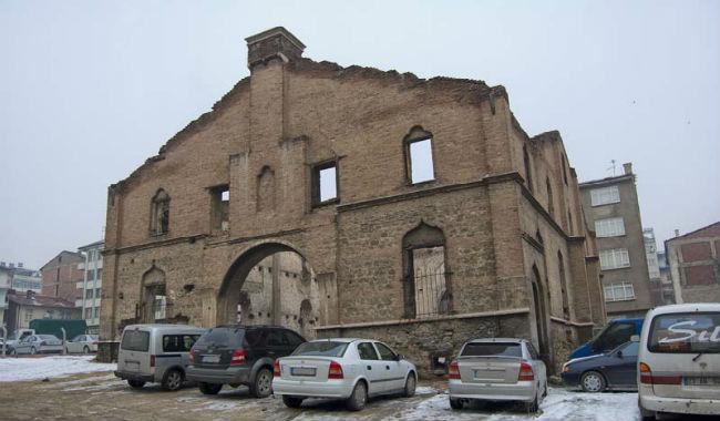 تركيا تقرر تحويل إحدى الكنائس الأرمنية التاريخية إلى فندق