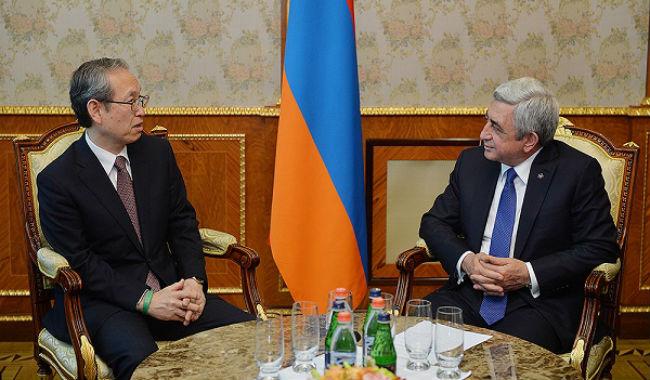 توشيبا تعتزم التعاون مع أرمينيا في مجالي الطاقة الذرية والزلازل