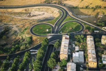 صورة: إحدى الطرق الحديثة في مدينة يريفان
