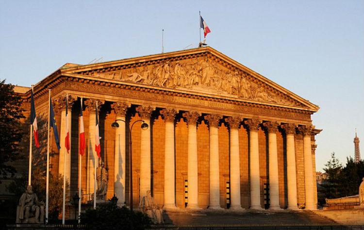فرنسا تصوت اليوم على مشروع قرار تجريم إنكار الإبادة الأرمنية