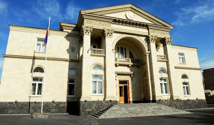 الرئيس ساركيسيان يدعو لإجتماع طارئ لمجلس الأمن القومي