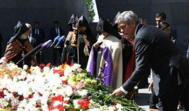 بالصور: جورج كلوني يزور نصب ومتحف شهداء الإبادة الجماعية الأرمنية
