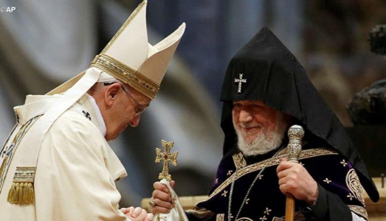 البابا فرنسيس في أرمينيا بعد أسابيع وأهم محطات الزيارة التوجه لنصب الشهداء