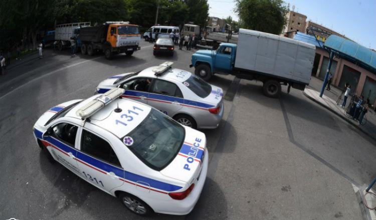 تحرير اثنين من المحتجزين والأمن الأرمني يتفاوض لتحرير البقية