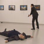 مواطن تركي يغتال السفير الروسي بهجوم مسلح في أنقرة