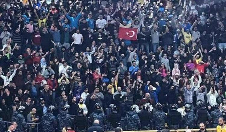 العلم التركي والرياضة في لبنان