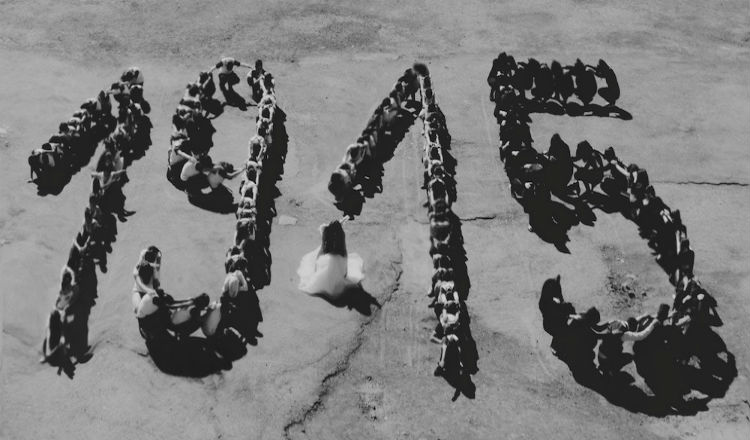 """كلمات مؤثرة جدا من قصيدة """"على أعتاب المائة"""" لـ رشا قاسم"""