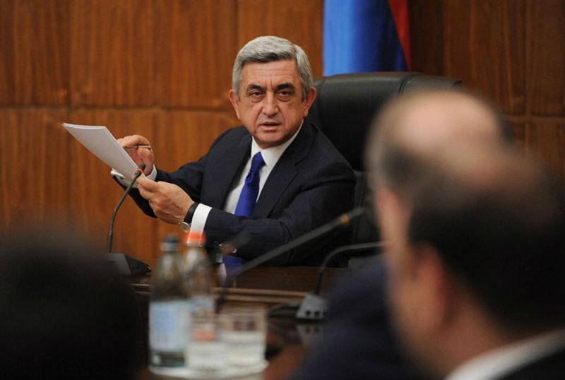 الرئيس الأرمني يقيل الحكومة في أولى جلسات البرلمان الجديد