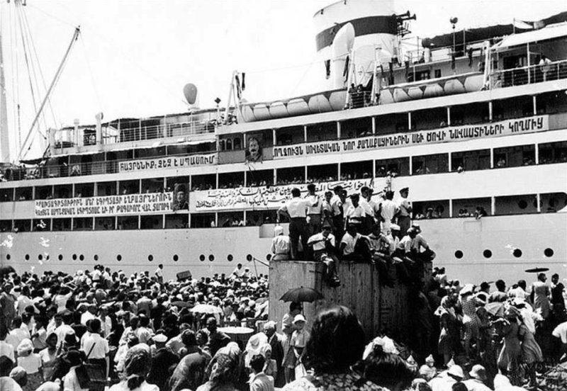 صورة نادرة: لاجئون أرمن يغادرون ميناء الإسكندرية أواخر الأربعينيات