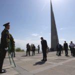 وزير خارجية الإمارات يزور نصب شهداء الإبادة الجماعية الأرمنية