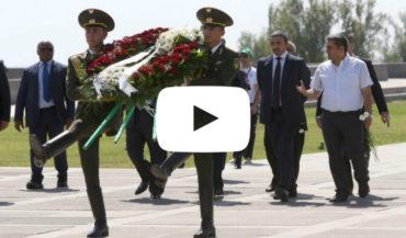 زيارة وزير خارجية الإمارات العربية لنصب شهداء الإبادة الأرمنية