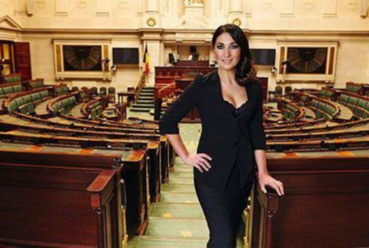 عضو الحكومة البلجيكية زوهال دمير تقرر إسقاط جنسيتها التركية