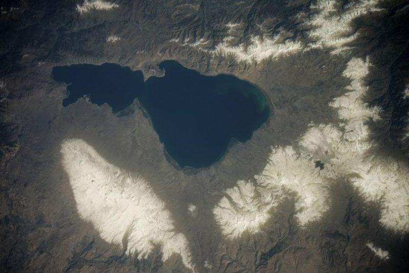 رائد فضاء روسي ينشر صورة لـ بحيرة سيفان ملتقطة من الفضاء