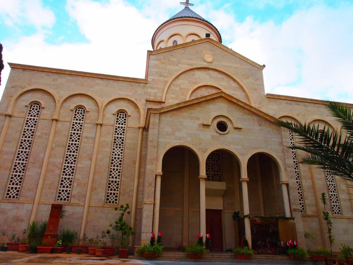 كاتدرائية مار نيشان في بيروت