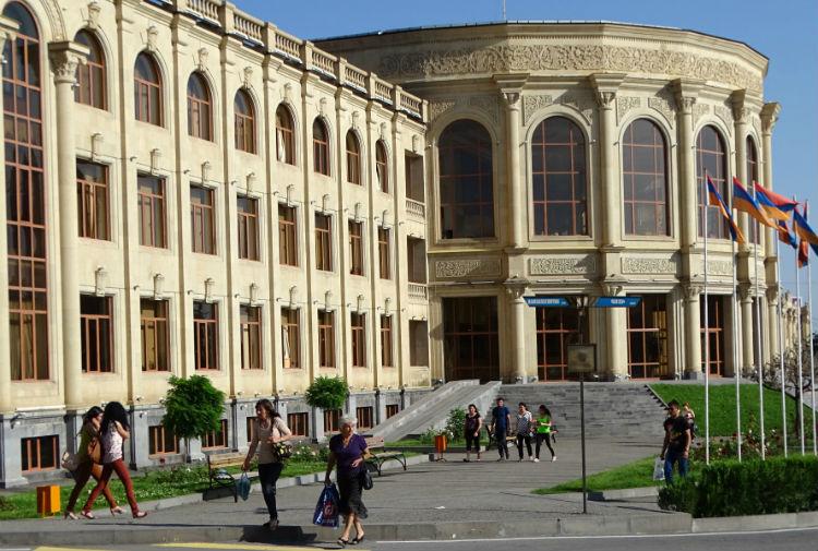 أكثر من 30 شركة إسرائيلية يستعدون لدخول مدينة كيومري بأرمينيا