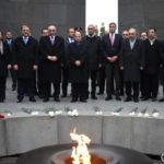 الرئيس اللبناني ميشال عون يزور نصب شهداء الإبادة الأرمنية في يريفان