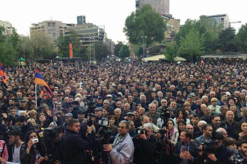 المعارضة في أرمينيا تنزل إلى شوارع العاصمة