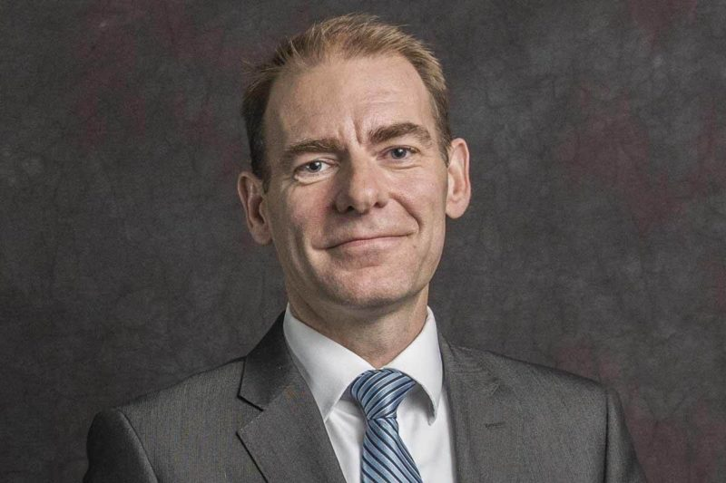 وزير الدولة الهولندي للشؤون المالية يزور نصب شهداء الإبادة في يريفان