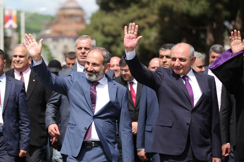 نيكول باشينيان يحضر احتفالات النصر في جمهورية آرتساخ