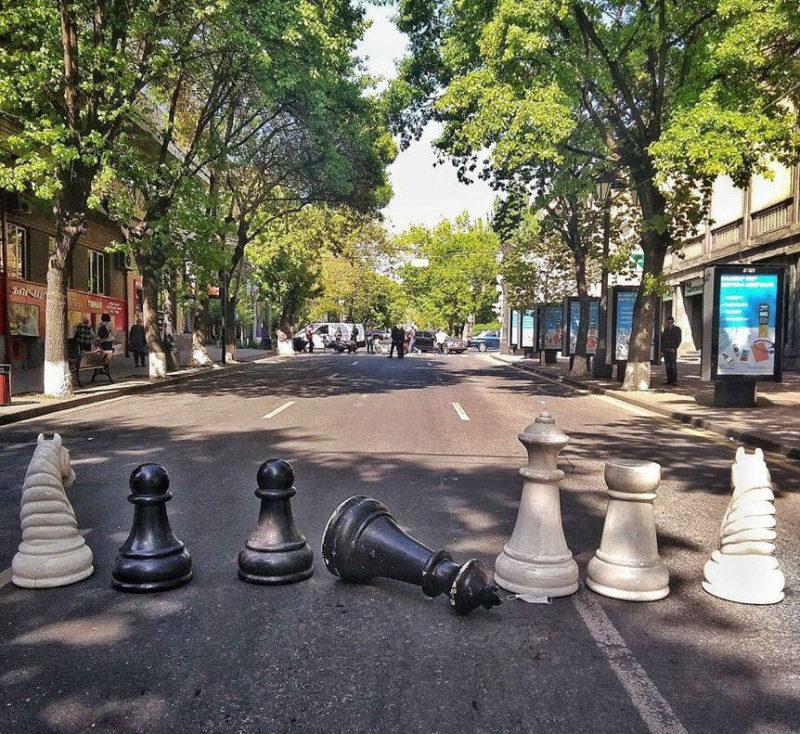 دولة يعبر فيها المحتجون عن غضبهم عبر قطع الشطرنج.. تلك أرمينيا