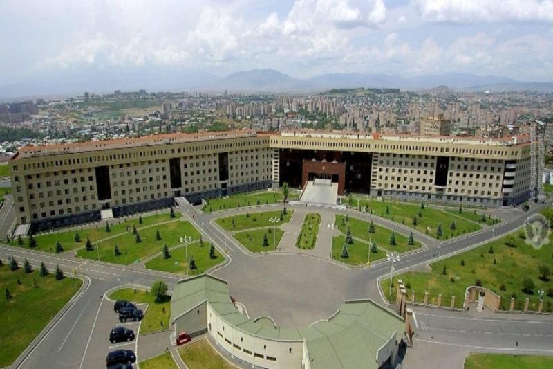 وزارة الدفاع في أرمينيا تحذر قوات أذربيجان من محاولة التقدم نحو الحدود