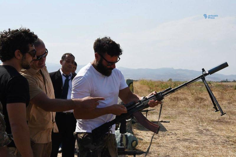 """المليونير الأمريكي """"دان بيلزريان"""" ينضم للجيش الأرمني"""