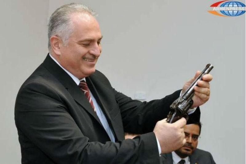 متحف الإبادة يحصل على أحدى المسدسات المستخدمة بمعركة عنتاب 1920