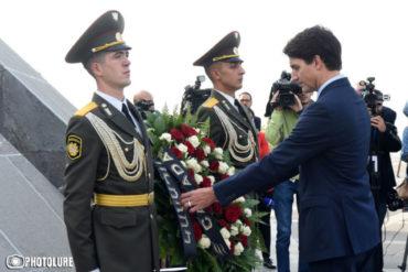 ترودو وضع إكليلا من الزهور باسم حكومة بلاده أمام نصب الشهداء