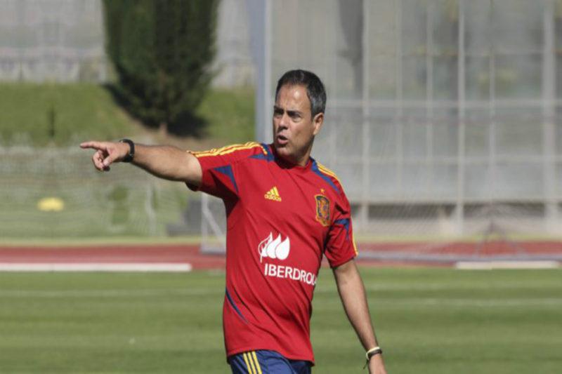 مدرب ريال مدريد السابق خافيير مينانو ينضم للفريق الأرمني