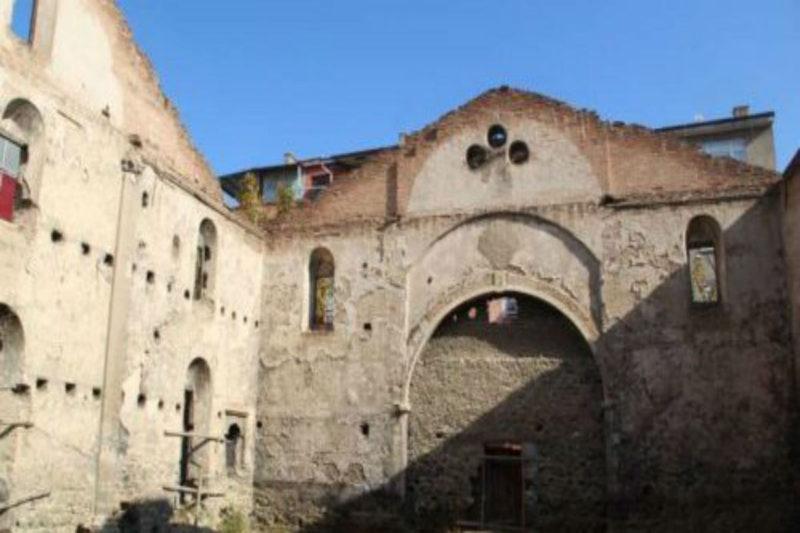 إهمال مقصود من السلطات التركية لتجديد كنيسة تاريخية أرمنية في خاربيرت