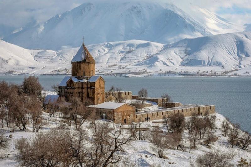 آختامار.. مقصد مئات الألاف من السياح الأجانب إلى شرق تركيا