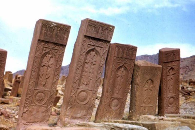 الغارديان: الخسارة الكبرى.. أذربيجان وأسوأ إبادة ثقافية في القرن الـ 21