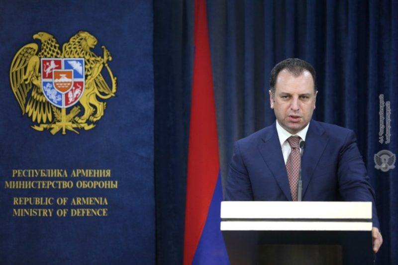 وزير دفاع أرمينيا: مستعدون دائما للحرب طالما عملية التفاوض لم تنتهي