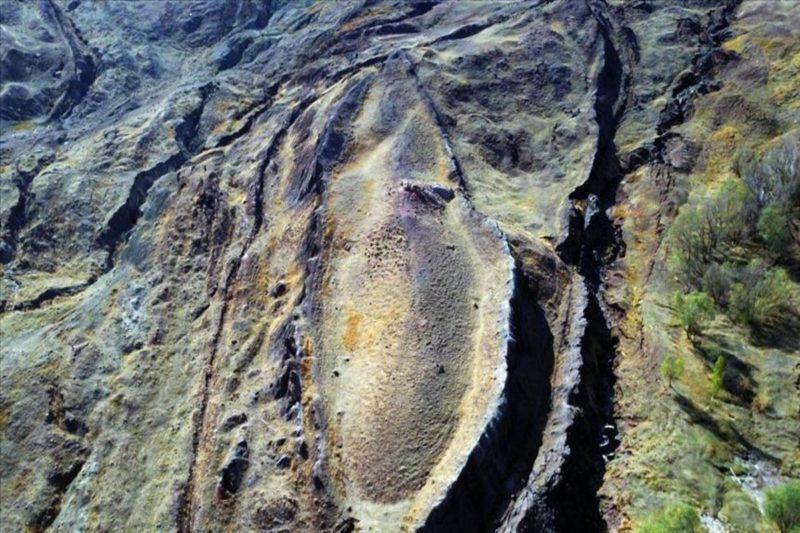 قناة العربية: هل هذه آثار سفينة نوح بعد الطوفان العظيم؟
