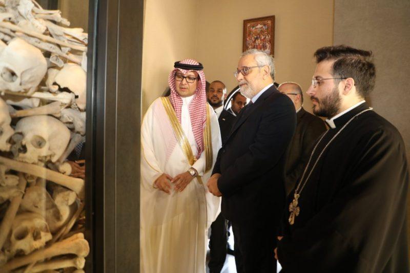 سفير السعودية في لبنان يزور جماجم شهداء الأرمن.. ويؤكد على شرعية القضية