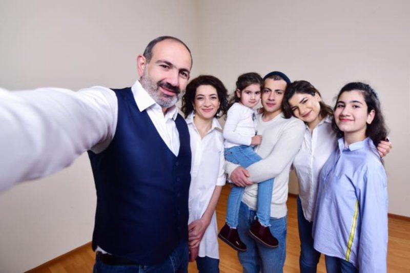 رئيس وزراء أرمينيا يهنئكم بمناسبة اليوم العالمي للأسرة