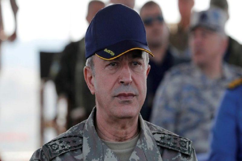 وزير دفاع الكيان التركي يتفقد الحدود مع أرمينيا
