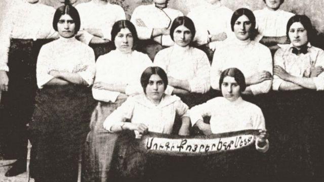 19037.jpg